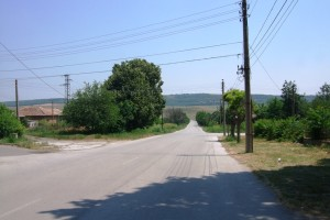 The road out of Alekovo