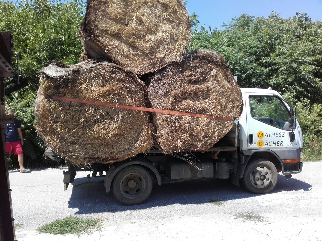 Last of our mulching straw being delivered - this year we've taken 3.5 tonnes for mulching the orchard and fodder area later in the year.